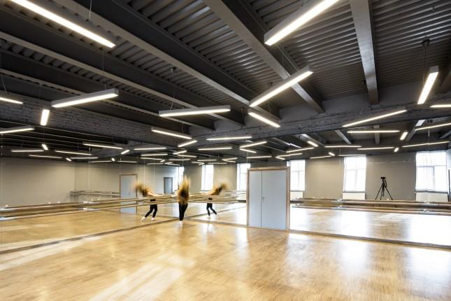 Choreography classroom @ SPATJ • Paul Mihai Moldovan, Anamaria Moldovan / ateliercetrei